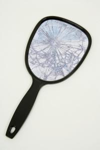 broken-hand-mirror